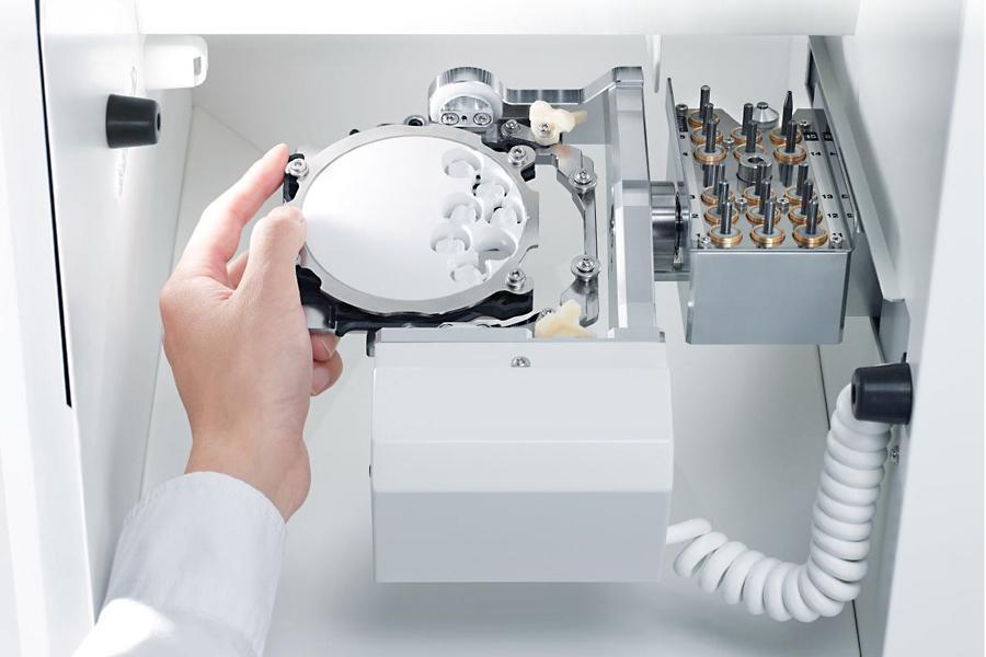 Стоматологический фрезерный станок